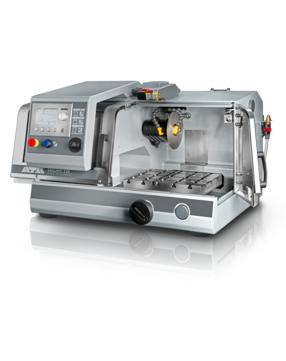 Horizontal movement: 210 mm, manual / automatic Vertical movement: 80 mm, automatic Cross feed (option): 80 mm, manual / automatic